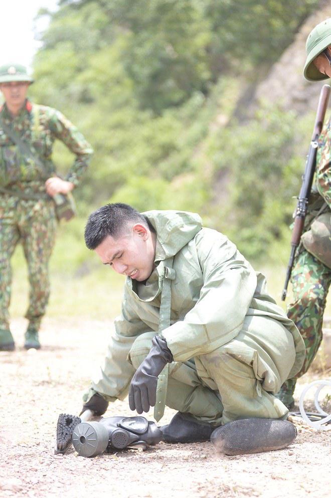 Hé lộ tình cảnh đáng xấu hổ của Mr Cần Trô Xuân Nghị khi ở trong quân ngũ