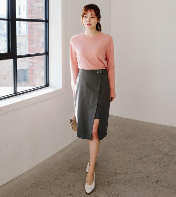 Muôn kiểu biến hóa cùng váy xẻ tà nửa kín nửa hở đầy mê hoặc