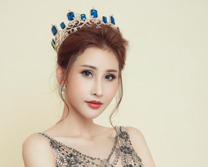 Hoa hậu Chi Nguyễn: Nhiều người đẹp đã đánh nhau giành chỗ trên sân khấu