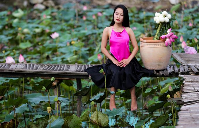 Đầm sen rộng hàng nghìn mét vuông ở Sài Gòn nở rộ