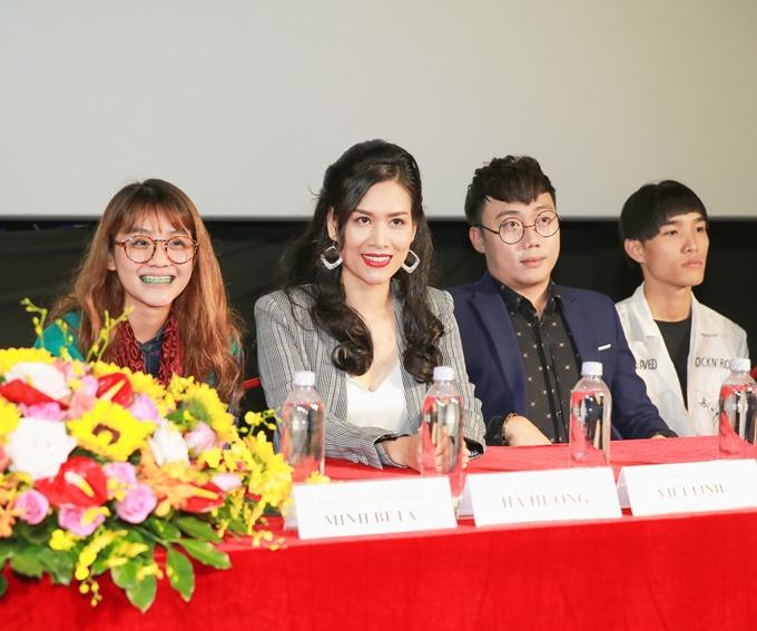 Hà Hương trở lại điện ảnh sau cơn sốt Phía trước là bầu trời