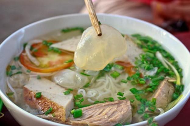 Bún cá sứa và lươn đùm bọc mỡ chài nổi tiếng ở Nha Trang