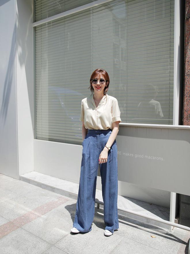 Vào những ngày nóng không thở nổi, mặc gì đi làm để vừa mát mẻ, xinh xắn lại đúng chất công sở?