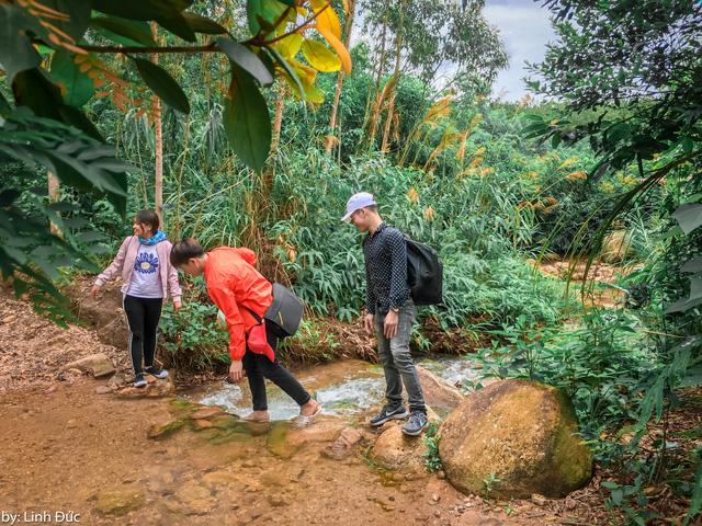 Chinh phục núi Đá Chồng độc nhất, vô nhị ở Quảng Ninh