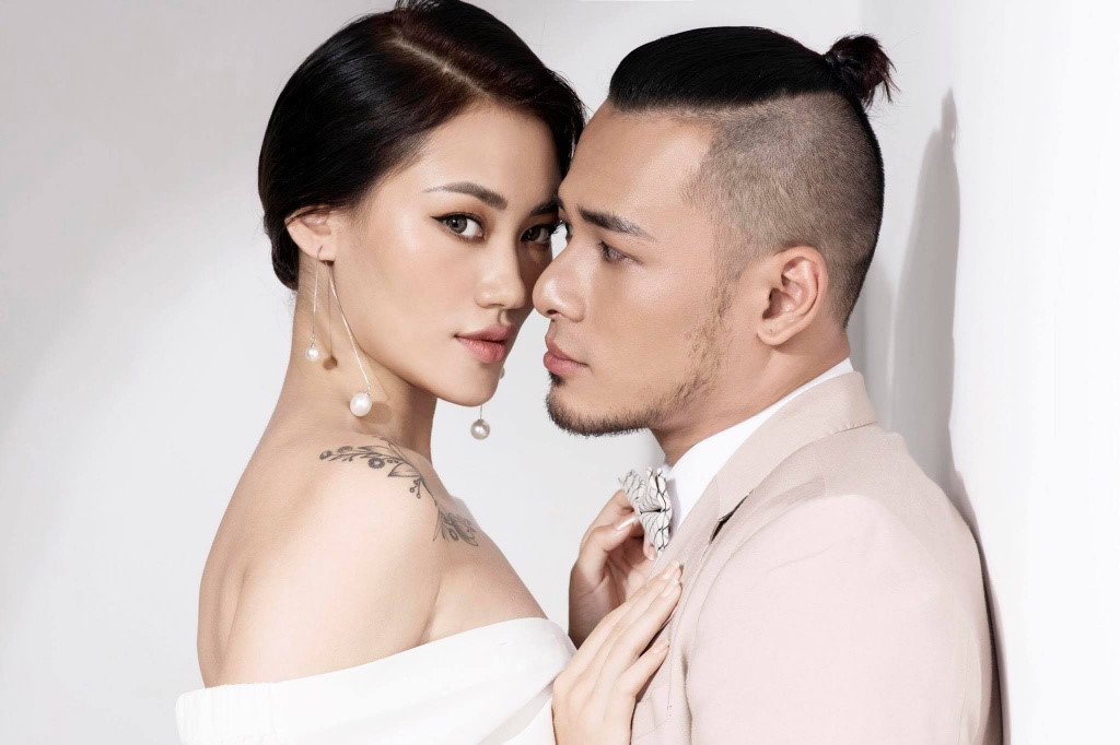 Dàn mẫu của Vietnams Next Top Model lần lượt lên xe hoa, sinh con