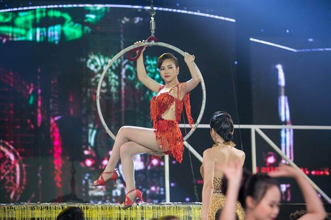 Trần Mỹ Ngọc lên ngôi Quán quân Duyên Dáng Bolero 2018