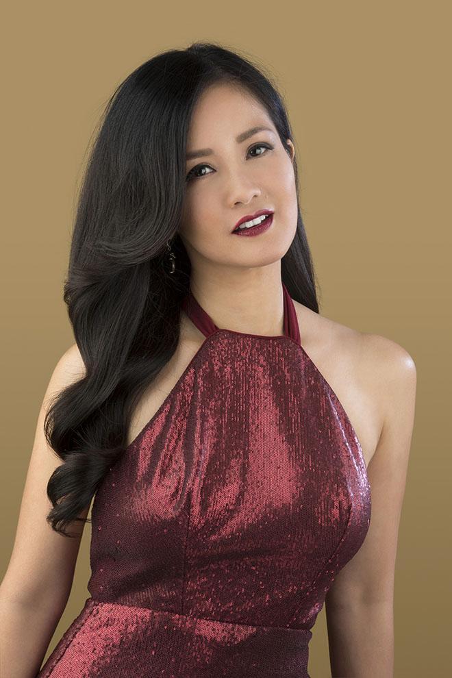 Diva Hồng Nhung: Hạnh phúc không phải là chiếc áo vạn năng, ai mặc cũng vừa