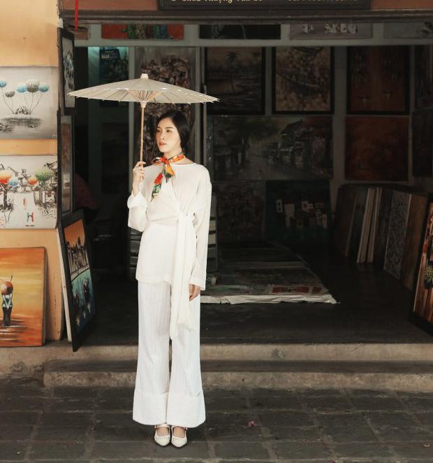 Gần hết hè mà chưa có váy áo đẹp sống ảo, thử xem gợi ý của MC Thanh Thanh Huyền