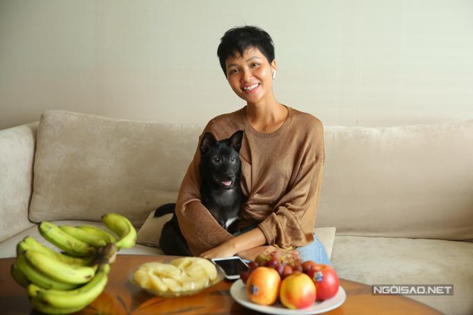 Cuộc sống sang trọng của HHen Niê trong căn hộ phần thưởng hoa hậu