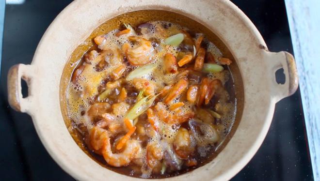 Tuyệt chiêu nấu món tôm nõn rim nước mắm ngon không cưỡng nổi