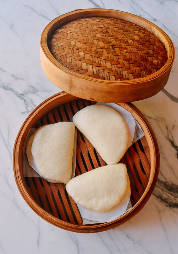 Mách bạn cách làm món bánh bao độc lạ kiểu Tàu - 7