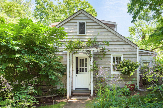 Khu vườn nhỏ xanh tươi bên ngôi nhà rêu phong cũ kỹ chỉ nhìn thôi đã thấy yên bình - 4