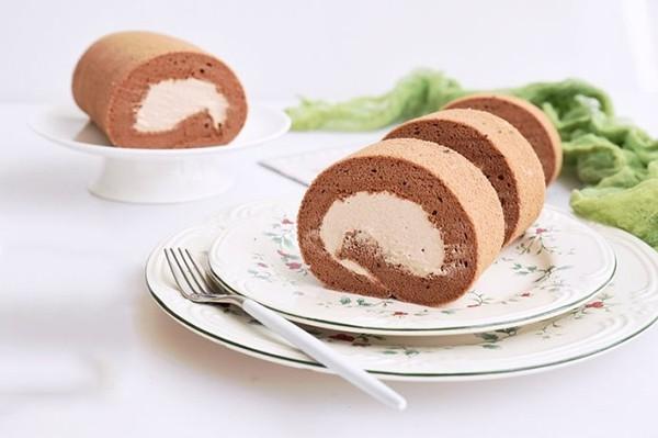 Ngày nghỉ tranh thủ làm ngay bánh cuộn chocolate mời gia đình thưởng thức - 6
