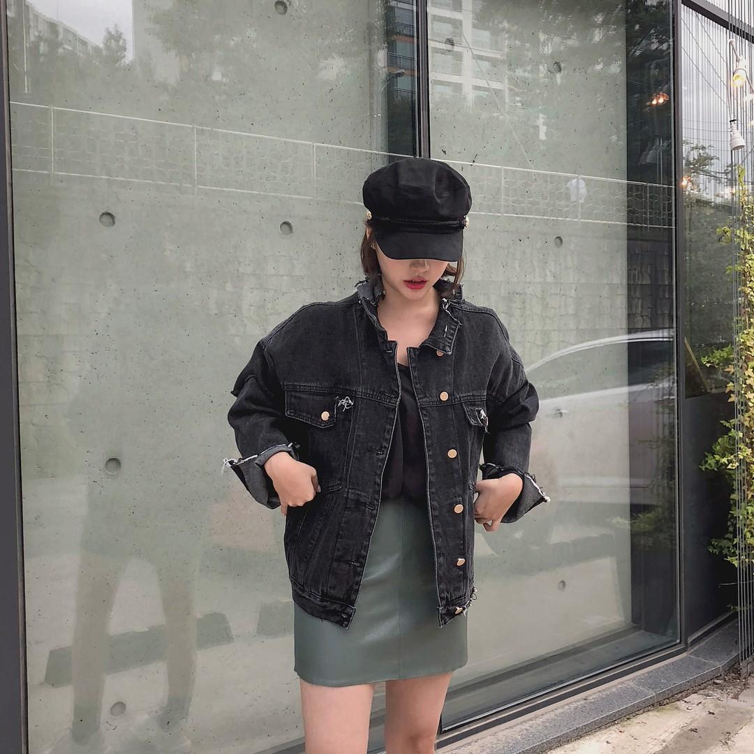 Sợ diện blazer già, áo khoác denim chính là lựa chọn thay thế cực trẻ trung dành cho các nàng công sở - 13