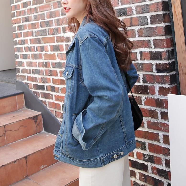 Sợ diện blazer già, áo khoác denim chính là lựa chọn thay thế cực trẻ trung dành cho các nàng công sở - 1