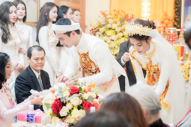 Hé lộ loạt khoảnh khắc cực đắt giá trong đám hỏi của Lan Khuê và ông xã John Tuấn Nguyễn - 5
