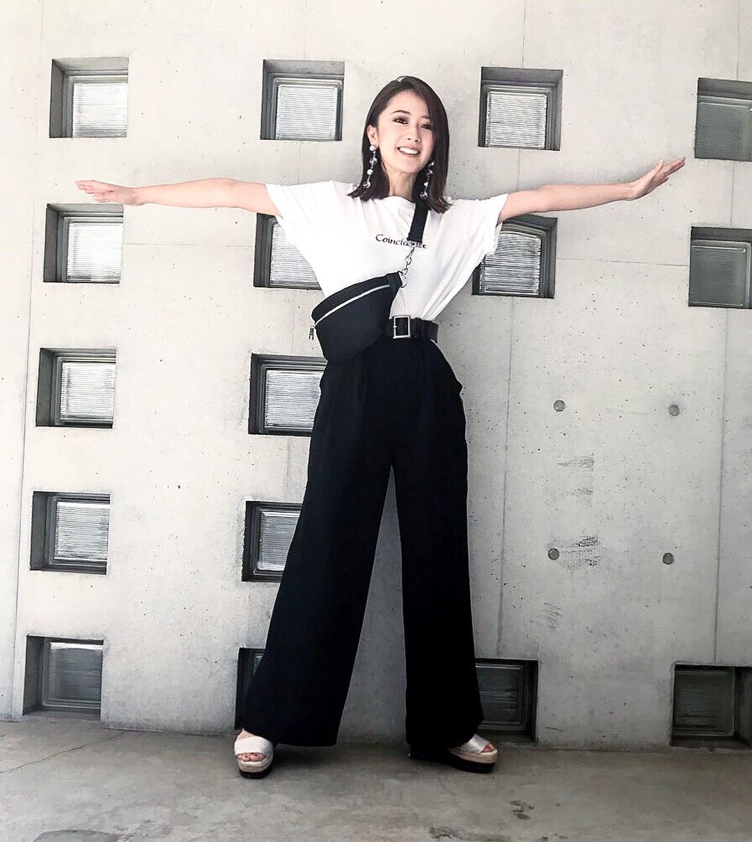 Nếu muốn theo đuổi phong cách tối giản thì đây chính là 6 items các nàng cần bổ sung ngay cho tủ quần áo của mình - 18