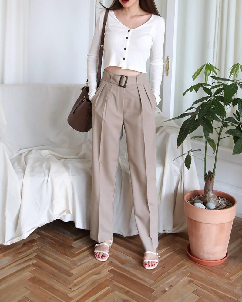 Nếu muốn theo đuổi phong cách tối giản thì đây chính là 6 items các nàng cần bổ sung ngay cho tủ quần áo của mình - 21