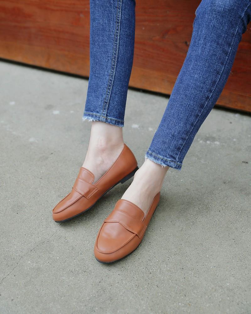 Nếu muốn theo đuổi phong cách tối giản thì đây chính là 6 items các nàng cần bổ sung ngay cho tủ quần áo của mình - 24