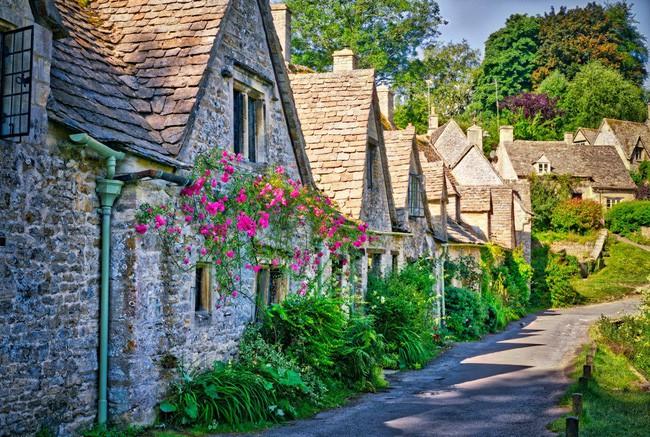 15 ngôi làng đẹp như bước ra từ cổ tích với kiến trúc độc đáo cùng phong cảnh hữu tình - 2