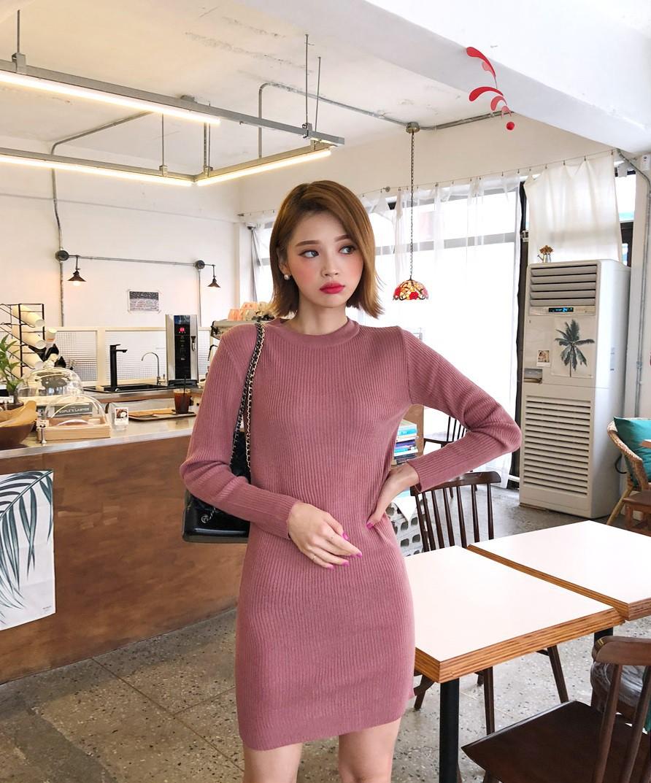Váy dệt kim – chiếc váy mềm mại, đầy quyến rũ mà các nàng không thể làm ngơ trong những ngày trời se lạnh - 15