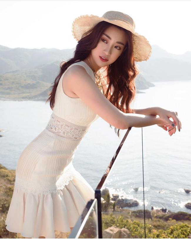Đỗ Mỹ Linh: Từ cô gái bị chê bầm dập với nhan sắc 'thiếu mì chính' lúc đăng quang đến danh xưng 'Hoa hậu bảo vật quốc gia' - 10