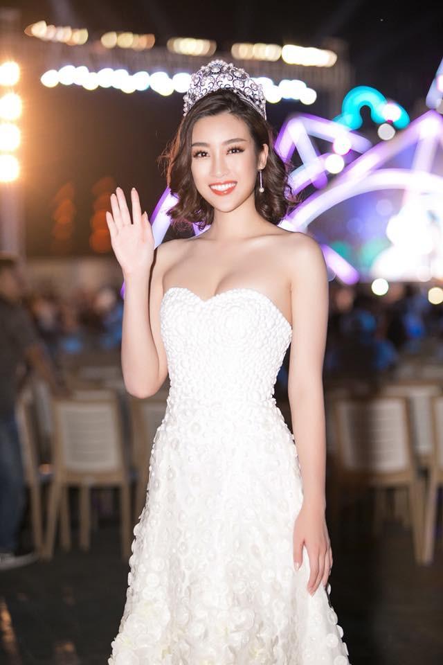 Đỗ Mỹ Linh: Từ cô gái bị chê bầm dập với nhan sắc 'thiếu mì chính' lúc đăng quang đến danh xưng 'Hoa hậu bảo vật quốc gia' - 7