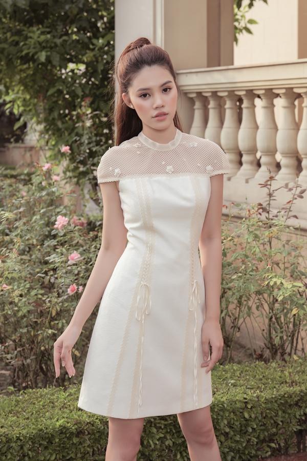 Jolie Nguyễn gợi ý trang phục thanh lịch cho cô nàng công sở