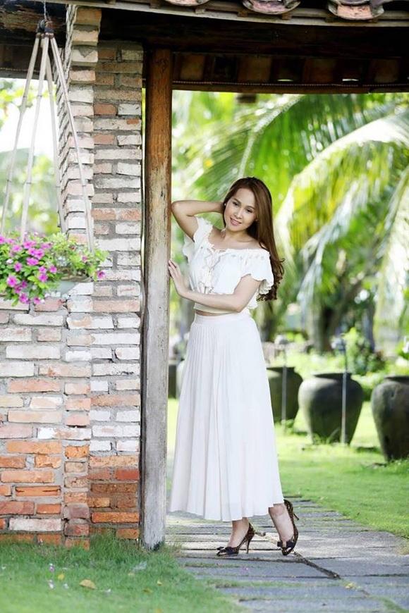 Gái nhảy Minh Thư duyên dáng trong loạt ảnh chào thu
