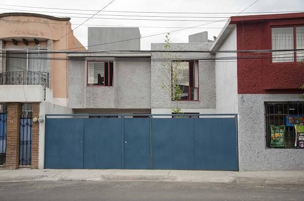 Không gian sống đẹp 'lộng lẫy' cải tạo từ ba ngôi nhà cũ