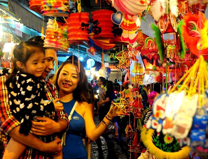 4 điểm chụp ảnh, phá cỗ Trung thu ở Sài Gòn
