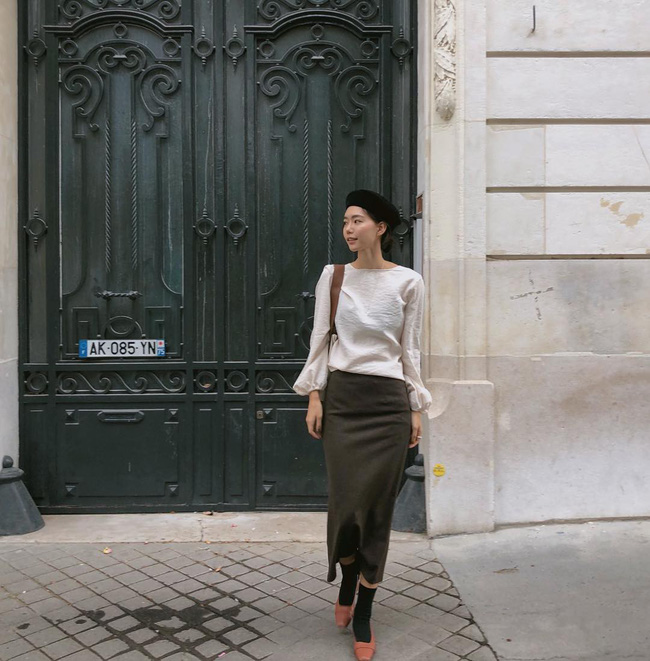 Muốn diện đồ đơn giản mà không bị nhàm chán, các nàng hãy ngắm qua street style Châu Á tuần này xem sao