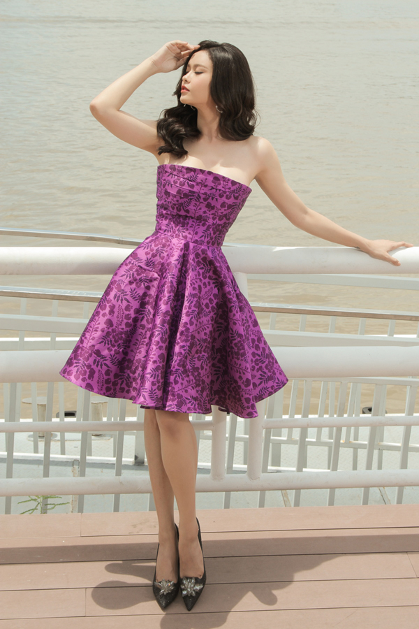 Trương Quỳnh Anh gợi ý chọn váy đi tiệc tôn nét nữ tính