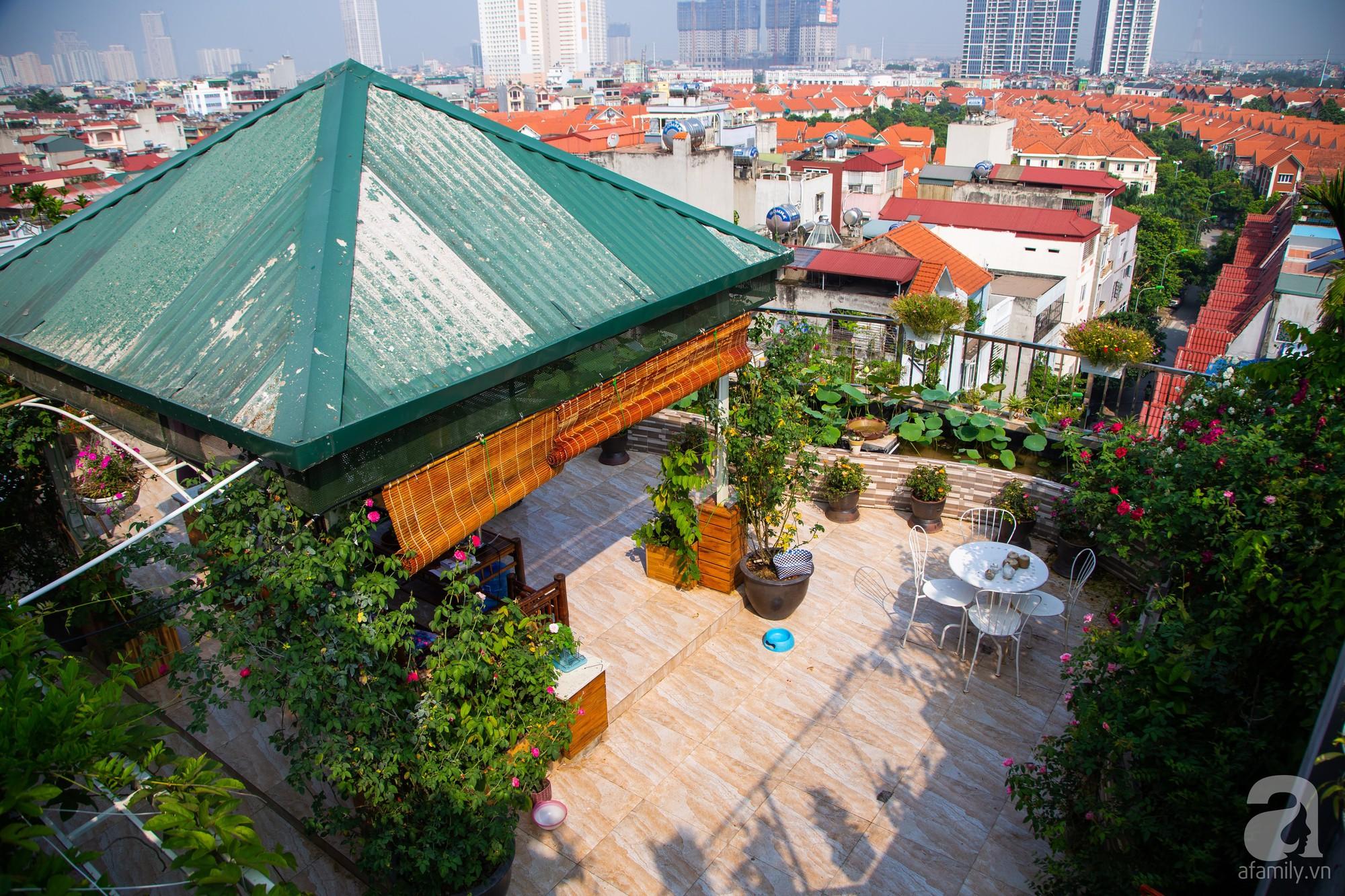 Khu vườn trên sân thượng rộng 200m² đẹp ngỡ ngàng với trăm loài hoa đua nhau khoe sắc ở Hà Nội - 11
