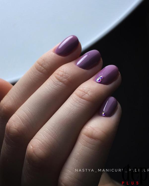 Nails tím chuẩn trend giúp nàng có tay xinh đón Tết 2018