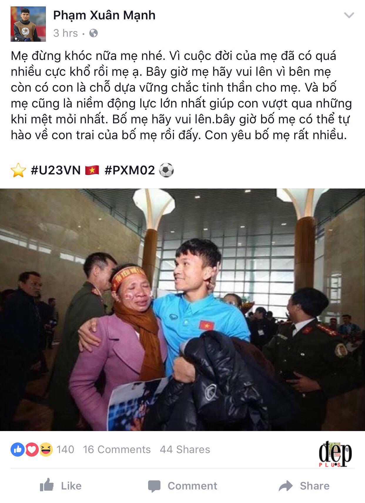 Nghẹn ngào khi nghe chia sẻ của Xuân Mạnh và Văn Đức về mẹ khi bị cổ động viên ngó lơ