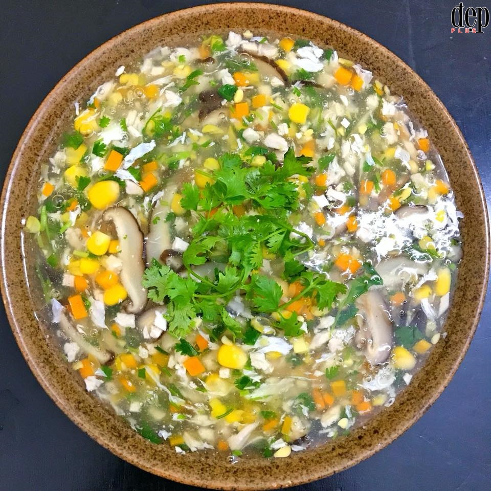 Xua tan lạnh giá với súp gà ngô nấm nóng hổi