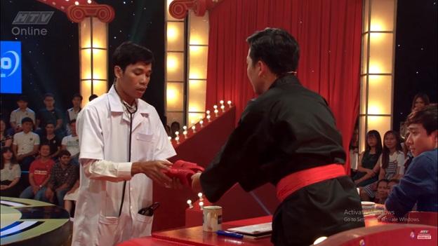 Thách thức danh hài Mùa 4 tập 7: Anh chàng đưa cả người yêu cũ và tình địch đi thi khiến Trấn Thành – Trường Giang rối não