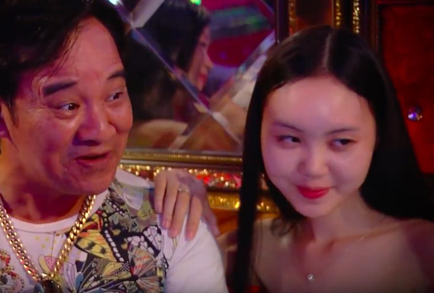 Câu khách bằng cảnh quay xé áo diễn viên nữ đầy phản cảm, phim hài Tết của Quang Tèo, Chiến Thắng gây phẫn nộ