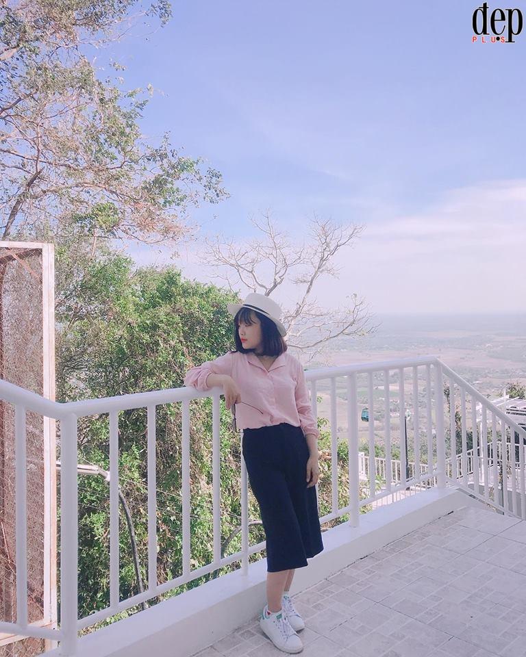 Núi Bà Đen (Tây Ninh) hóa xứ sở kim chi Hàn Quốc những ngày nắng đầu năm mới