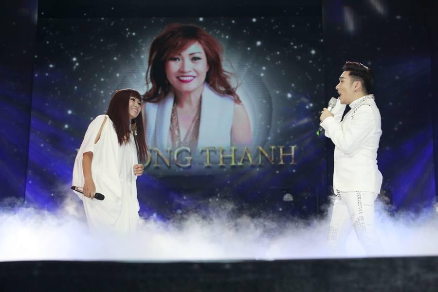 Từ chối cát-xê 10.000 USD, Phương Thanh thà đi hát miễn phí cho các tù nhân