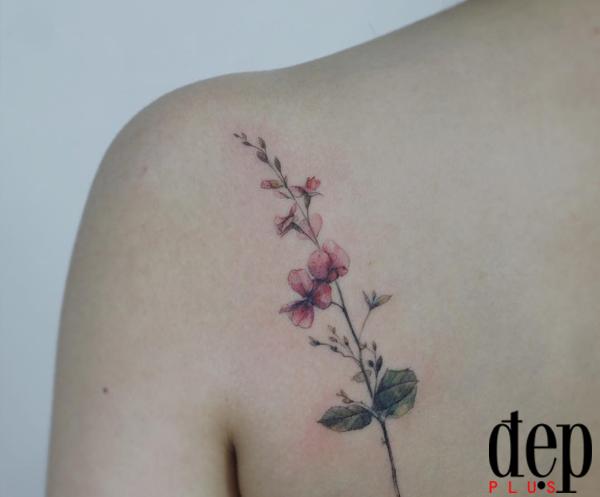 17 hình xăm hoa hoa lá nhỏ xinh khiến cô nàng cá tính trụy tim vì quá đẹp