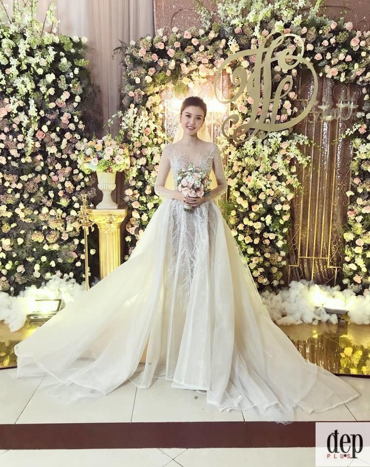 """Cận cảnh đám cưới âm thầm của """"Nữ hoàng sắc đẹp"""" Ngọc Duyên với đại gia từng tặng cô xe 70 tỷ đồng"""