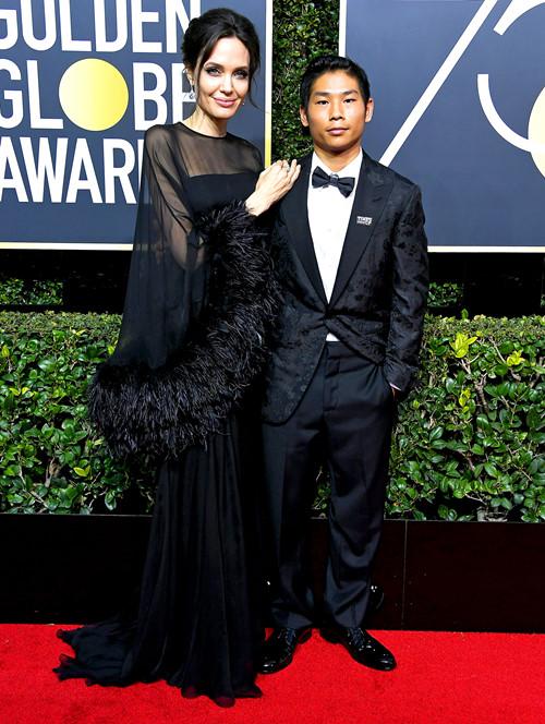 Hình ảnh bất ngờ của cậu con trai gốc Việt được Angelina Jolie dắt đến sự kiện hàng đầu ở Mỹ