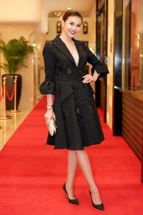 Phạm Hương mặc đẹp nhất tuần qua nhờ chiếc váy công chúa như bước ra từ cổ tích