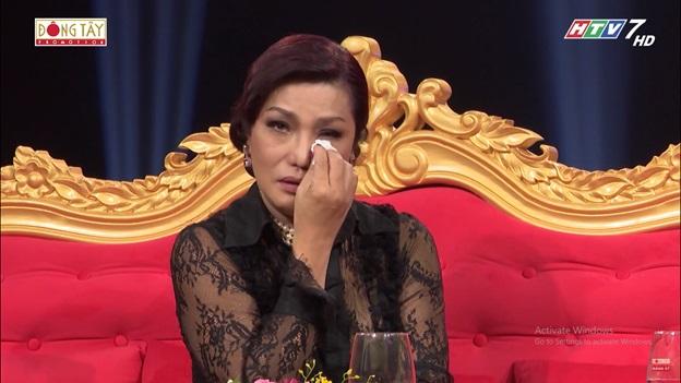 Sau ánh hào quang Tập 15: Người đẹp chuyển giới Cindy Thái Tài chia sẻ về chuyện tình đẫm nước mắt với người đàn ông Tây.