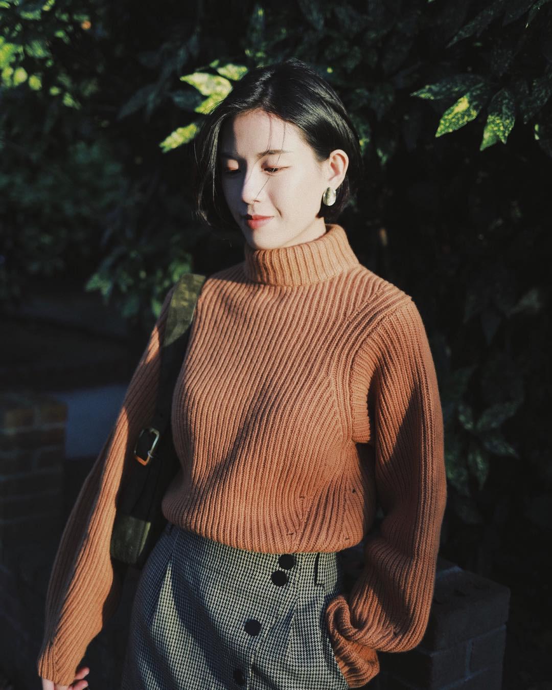 Sắm đủ 5 mẫu áo len này, các nàng sẽ chẳng còn lo mặc gì vừa xinh vừa ấm trong mùa đông năm nay - 9
