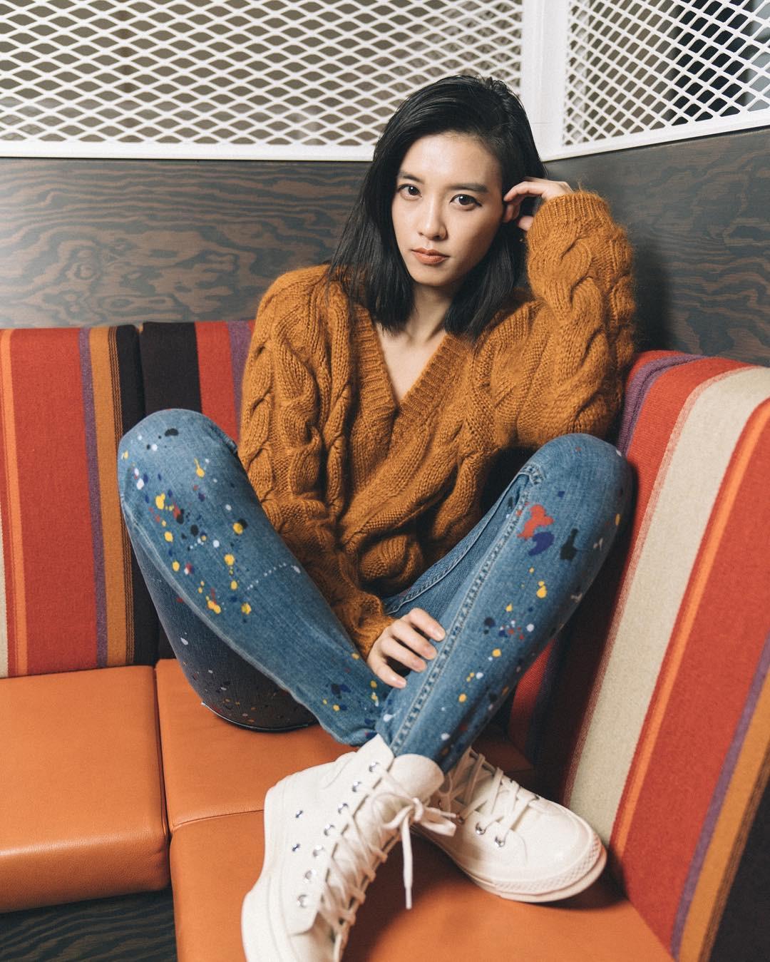 Sắm đủ 5 mẫu áo len này, các nàng sẽ chẳng còn lo mặc gì vừa xinh vừa ấm trong mùa đông năm nay - 1