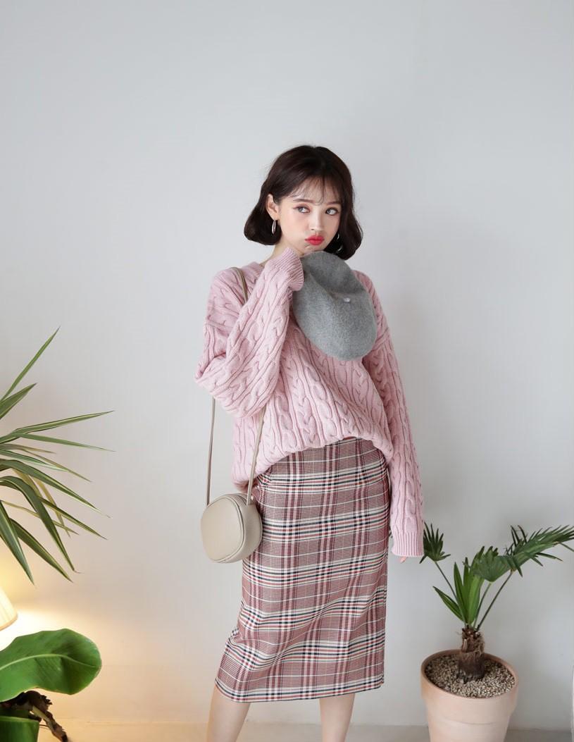 Sắm đủ 5 mẫu áo len này, các nàng sẽ chẳng còn lo mặc gì vừa xinh vừa ấm trong mùa đông năm nay - 2