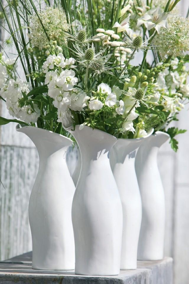 Mùa đông có lạnh đến mấy thì ngôi nhà vẫn ấm áp xinh tươi nhờ những 'lọ hoa biết nói' - 1